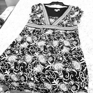 Black and white printed dress